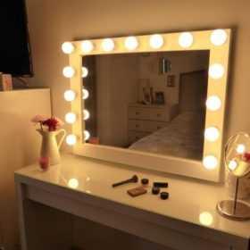 Зеркало с подсветкой для макияжа Caravella в магазине makeupmirror.ru