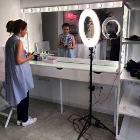 Фотография Купить гримерные столики с зеркалом в Москве от CARAVELLA на MakeupMirror.ru +7(495)1281381