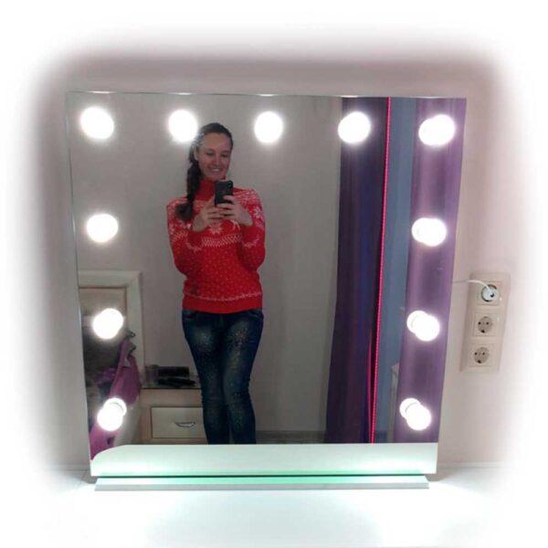 Фотография-гримерного-зеркала-без-рамы-Makeupmirror.ru