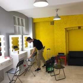 Гримерное зеркало и стол визажиста +7(495)1281381 под заказ у нас