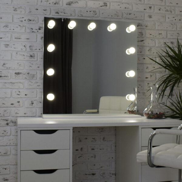 Гримерное зеркало с подсветкой Hi-Tech 80x80_0004_DSC_0576