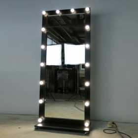 Гриммерное ростовое зеркало черного цвета