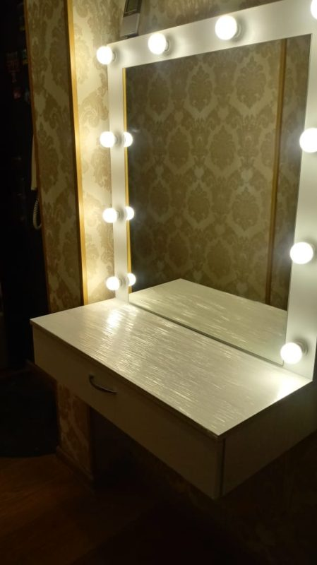 PATRICIA гримерное зеркало с подвесной тумбой 1