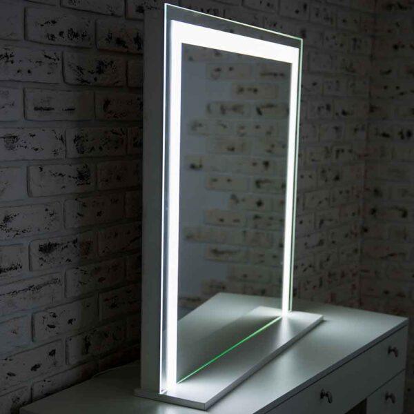 ГРимерное-зеркало-с-подсветкой-LED-01