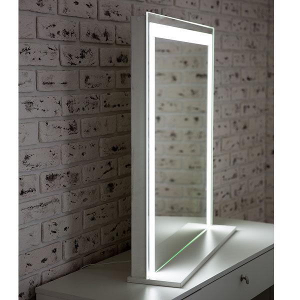 ГРимерное-зеркало-с-подсветкой-LED-04
