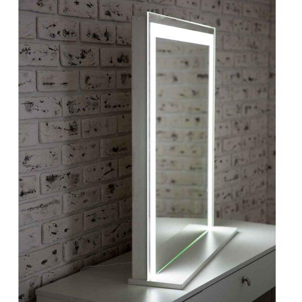 ГРимерное-зеркало-с-подсветкой-LED-7