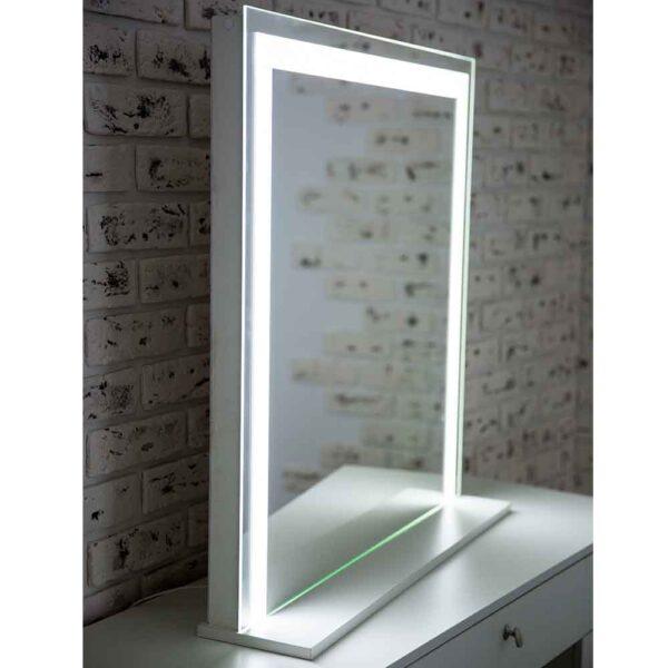ГРимерное-зеркало-с-подсветкой-LED5