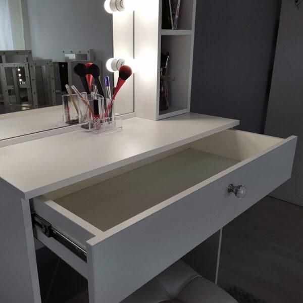 Гримерный столик с зеркалом TRENTO_0001_IMG_20190623_141312