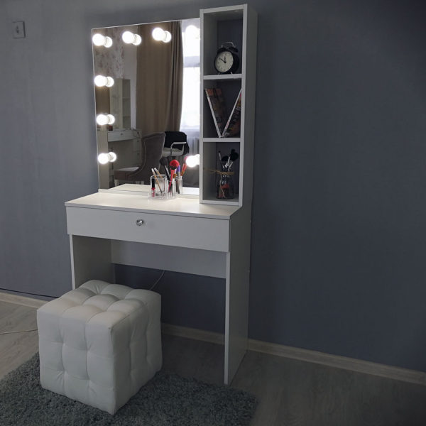 Гримерный столик с зеркалом TRENTO_0004_IMG_20190623_141242