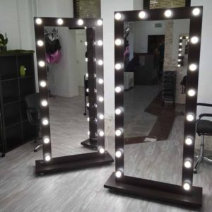 ГРимерное ростовое зеркало с подсветкой с двух сторон